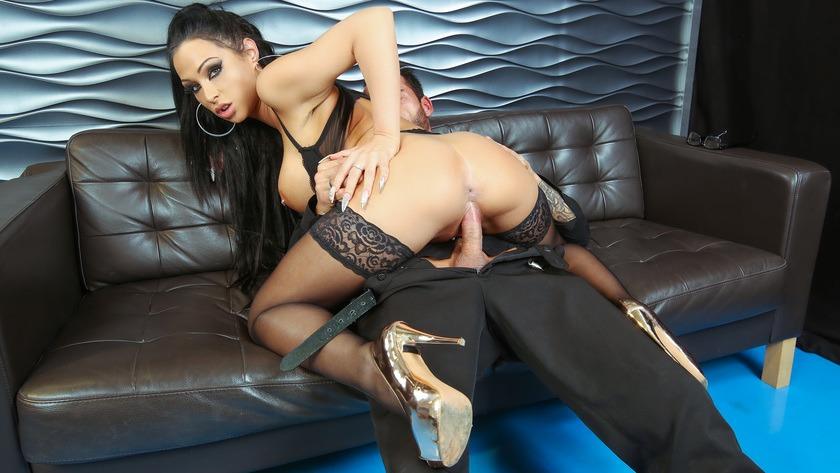 Sexy lady lesben im buro love